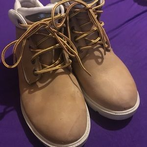 Timberland Boots Tan and white in good condition